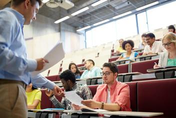 Étudiants diplômés datant des professeurs